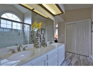 1272 Chessington Dr-Bath Room4.jpg