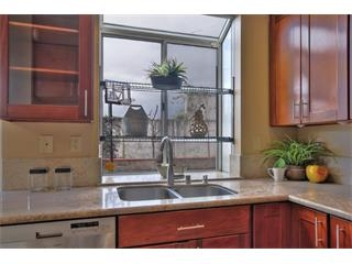 1272 Chessington Dr-Kitchen2.jpg