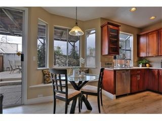 1272 Chessington Dr-Kitchen3.jpg